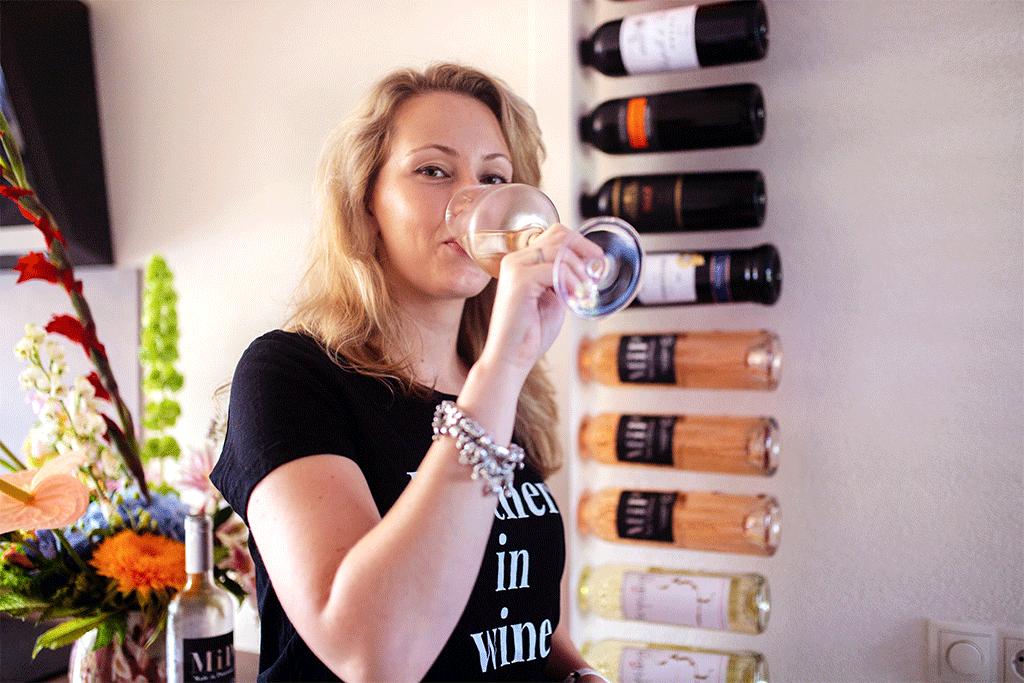 Wijnpaal in landelijke keuken met Amanda van MindandBeauty.nl