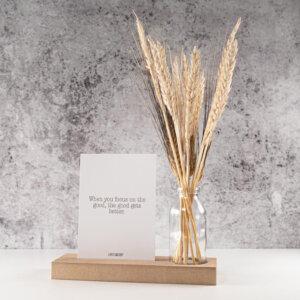 Droogbloemen met kaartje vaste en houder